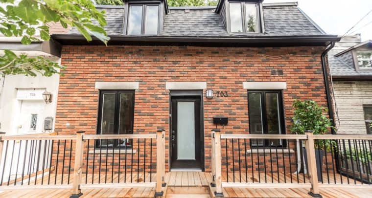 Cute Yet Modern Detached Cottage with Backyard in South-West of Montreal