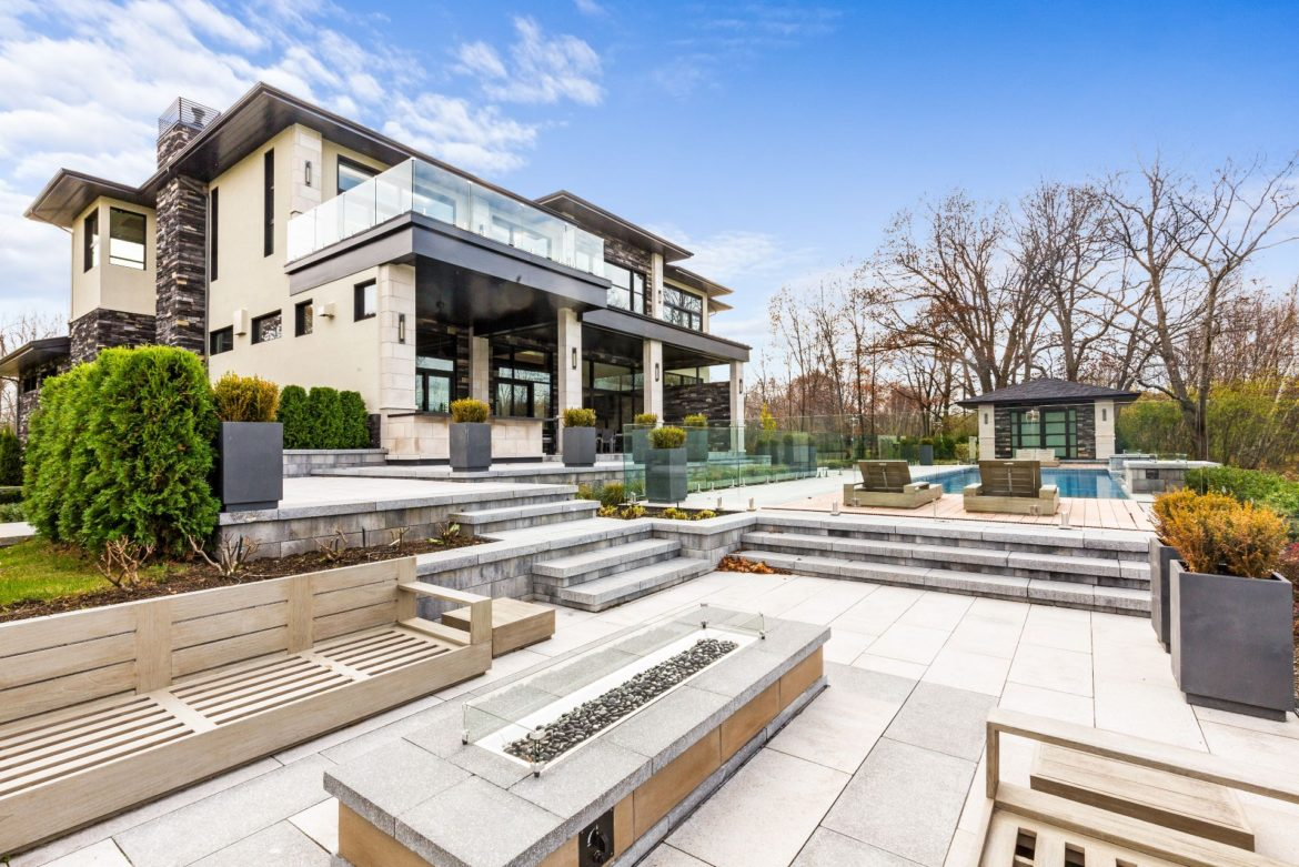 House of the week modern mansion in hudsons valleys combines modern technology and elegant design