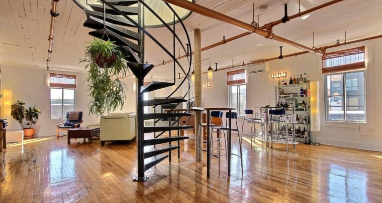 Sun drenched loft with private terrace on Plateau Mont-Royal