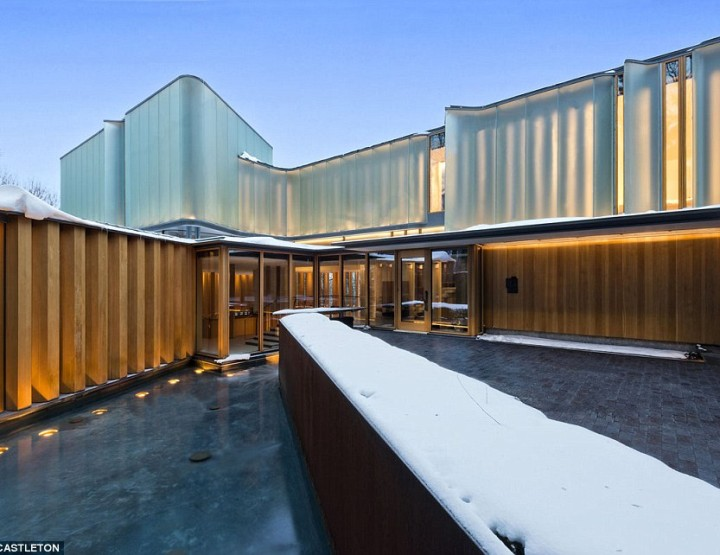 24M$ Toronto home doubles as concert venue designed by professor using the science of mathematics