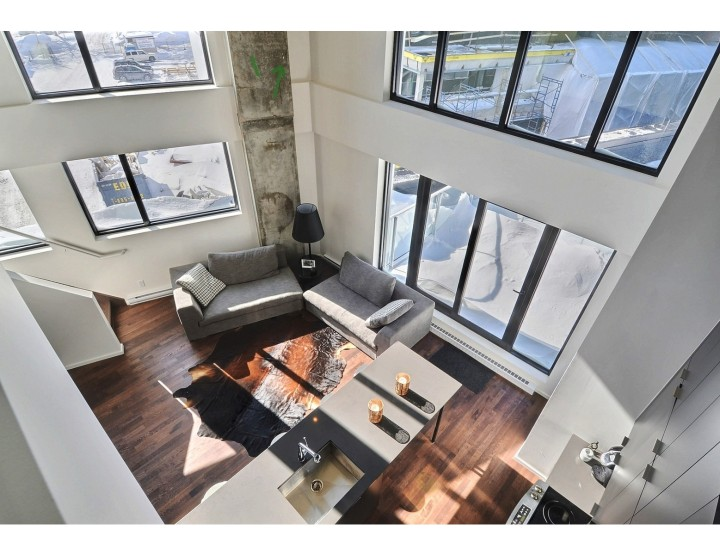 Open Two-Storey Loft That Will Make you Want to Rise and Shine