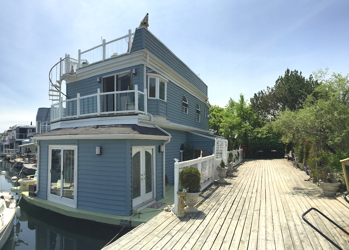 Living On A Floating House A Tour Of Toronto 39 S Bluffers