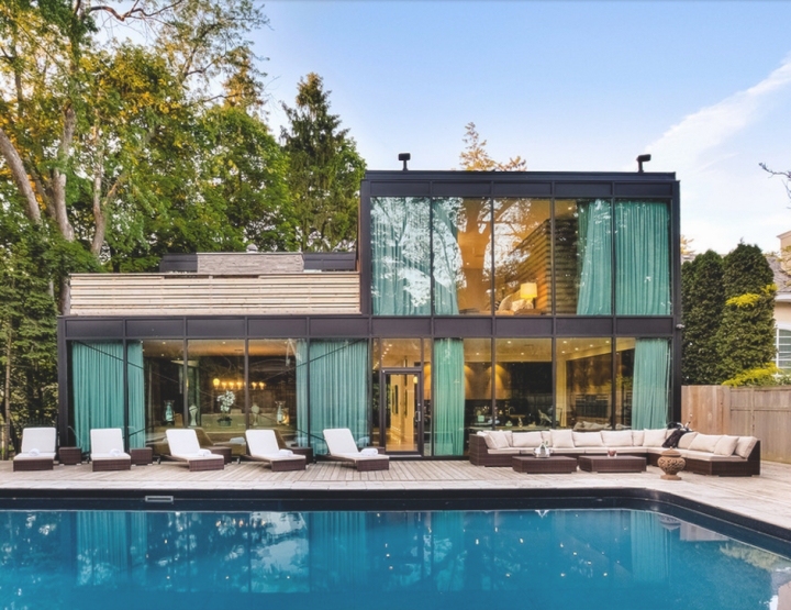 The Glass House Near Toronto is The Ultimate Pad To Entertain Cool Friends