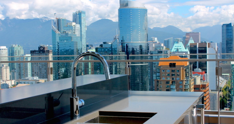 On Top of The World: A Tour of The Maddox Penthouse With 360 Degree Panorama Views Over Vancouver