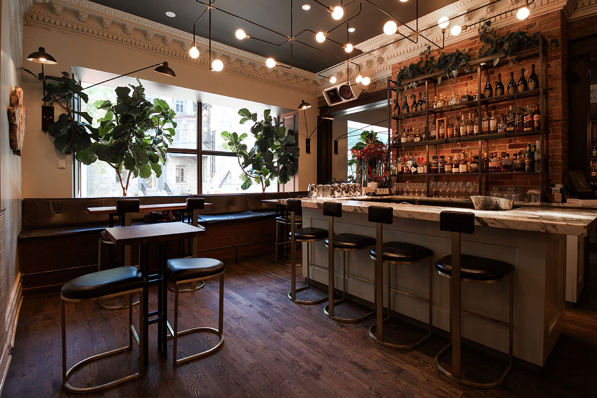 Jatoba restaurant in montreal you first eat with your for Designer interieur montreal