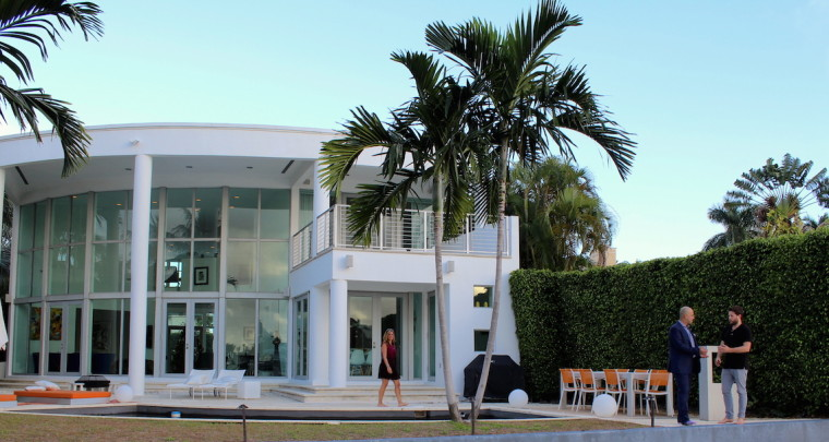 Miami Vacation Special : Striking Contemporary Waterfront Estate on Prestigious Venetian Island