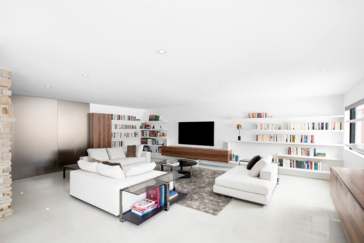 The Du Tour Residence in Laval by Architecture Open Form and Knights Bridge