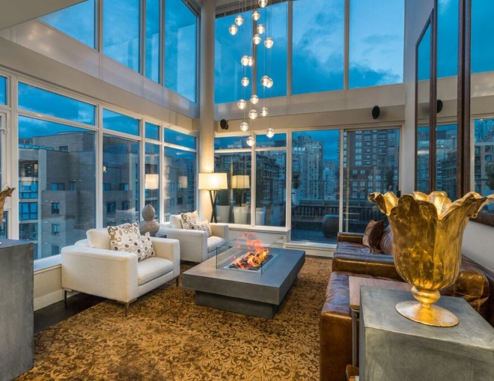 Fresh Listing: Expansive Penthouse with Mezzanine in The Heart of Yaletown, Vancouver