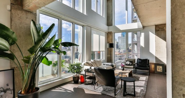 Fresh Listing : Sunny and Exotic Penthouse in the Old Montreal