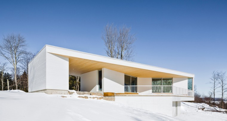 The Nook Residence by MU Architecture Slowly Fades Into Winterland
