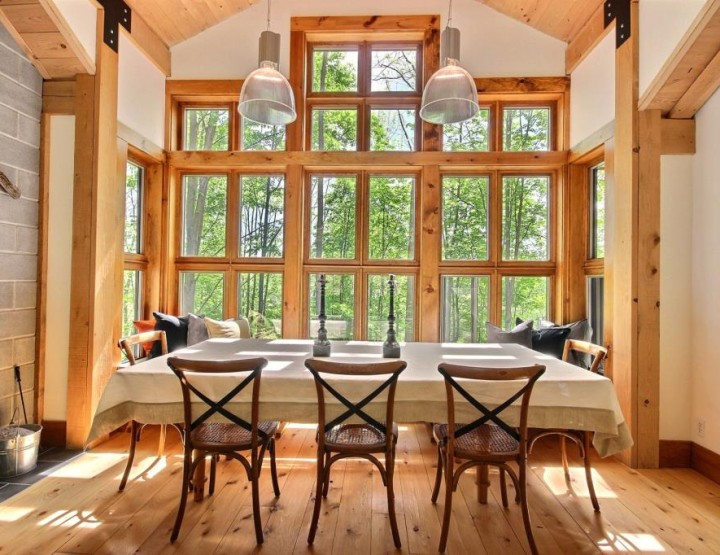 Perfectly Nestled and Confidential Architect Cottage Near Bromont Lake