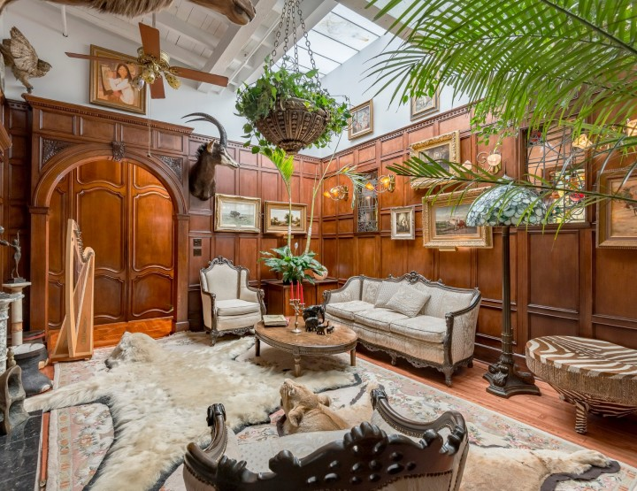 Exotic and Hidden Montreal PH Could be Your Very Own Xanadu for 4.5M$