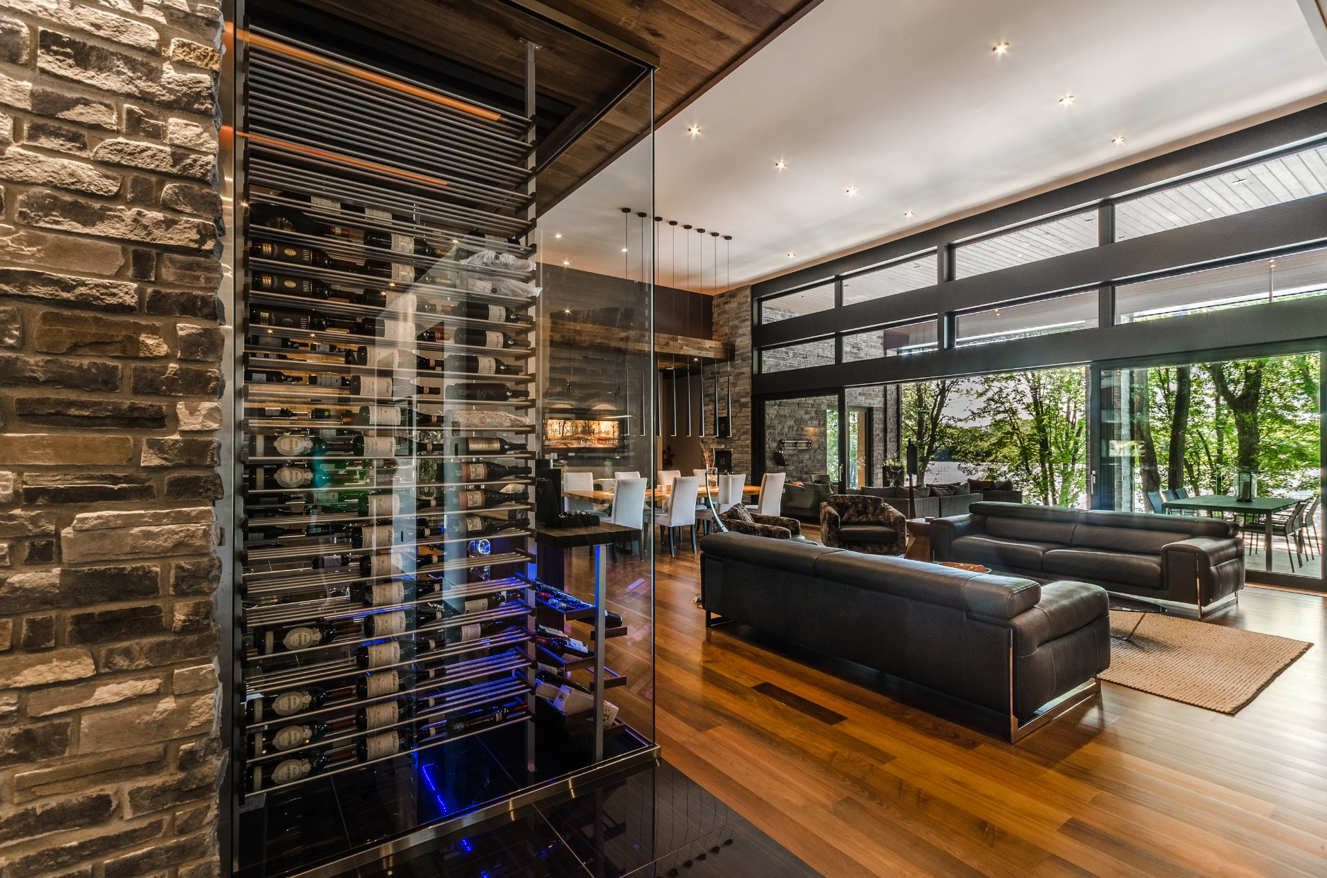 High Tech Modern Mansion On River Richelieu With Wide