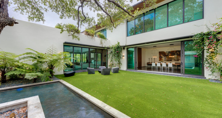 Miami : Prestige Realty Group Sells Priciest Pinecrest Home This Year at $5.5M - Take A Look!
