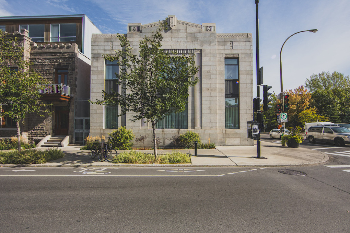 Art Deco Hoekbank.What Would You Make Of This Former Art Deco Bank In Montreal