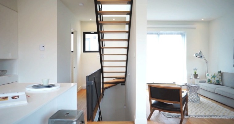 A Real Fun House : 4 Storey Townhouse in Rosemont Created by Kanva Architecture