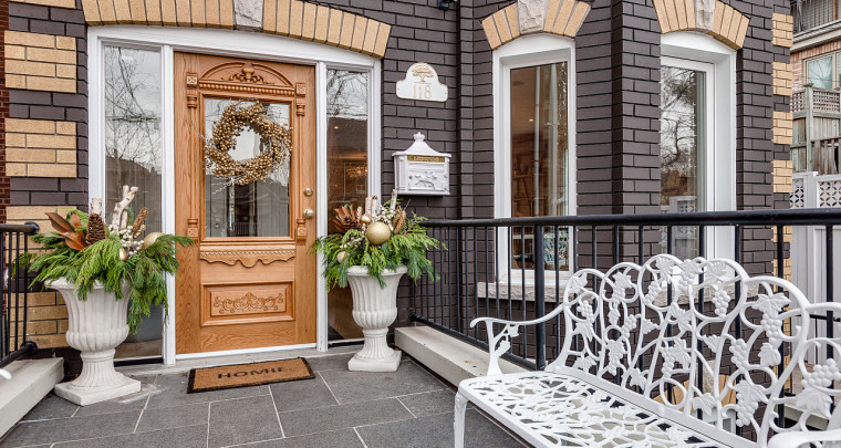 A Gracious Residence in the Heart of Downtown Toronto on Highly Coveted Givins Street