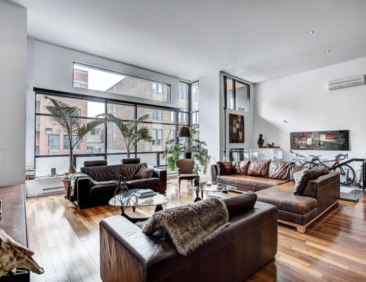 House of the Week: Wide Open Flat Right in The Middle of Downtown Where Space is The Ultimate Luxury