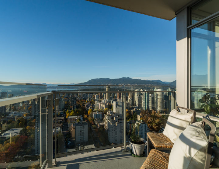 Condo of the Week: 36th Floor Vancouver Pad with Clear Ocean & Mountain Views